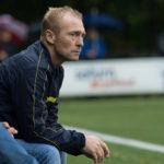 """Trainer Hans Roeland krijgt """"verlaat"""" afscheidsmoment"""