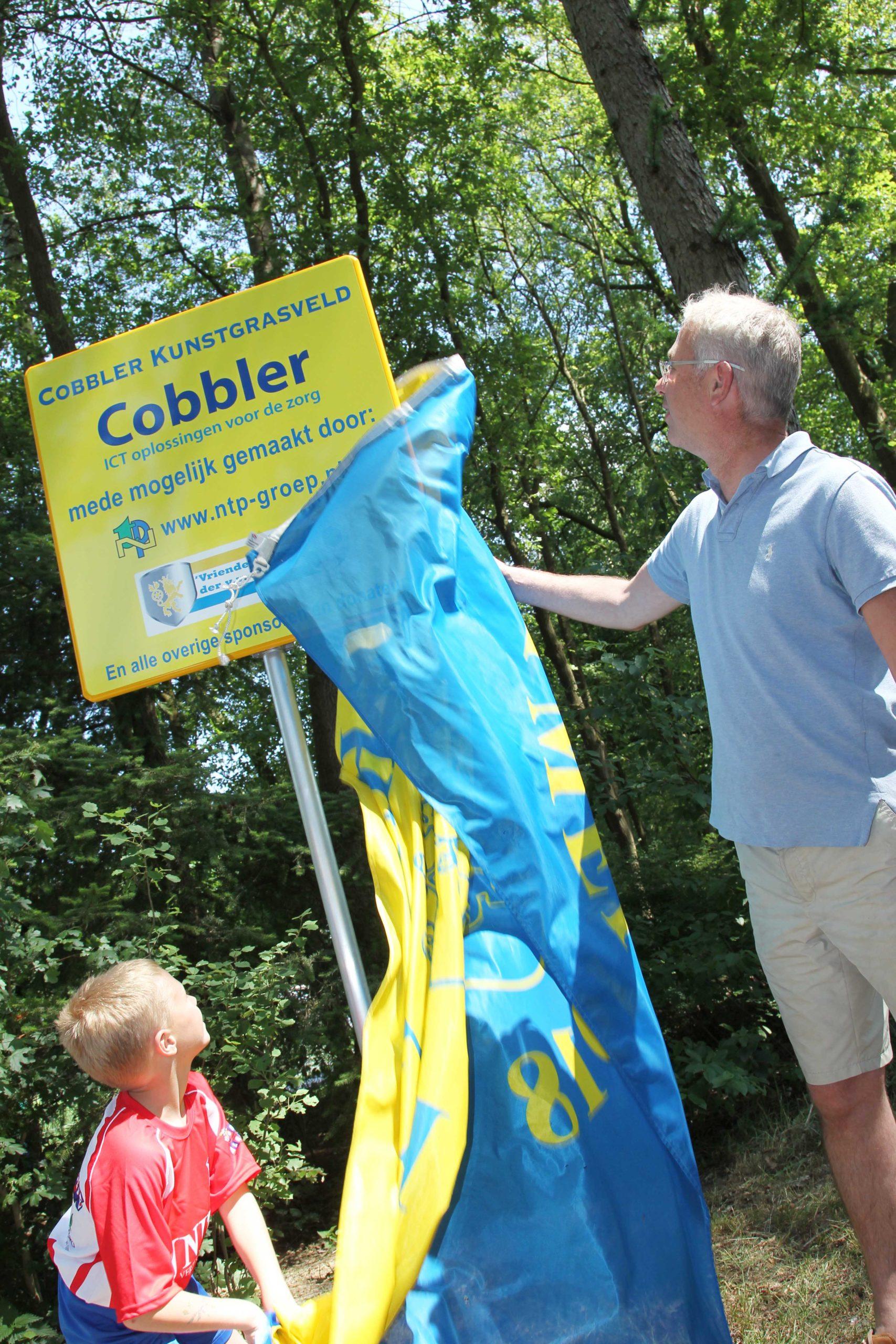 Opening Cobbler kunstgrasveld